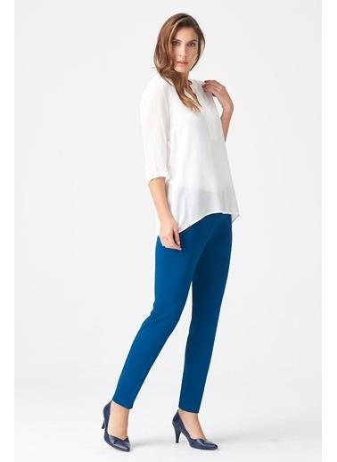 NaraMaxx Yırtmaç Yakalı Bluz Beyaz